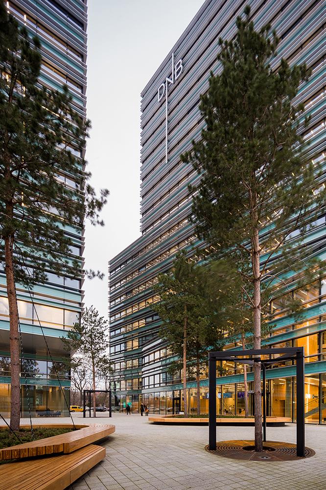 """Verslo centras """"Quadrum"""" Vilniuje; arch. """"Lund+Slaato Arkitekter + ARCHES + Schmidt Hammer Lassen Architects + NEY+partners"""""""