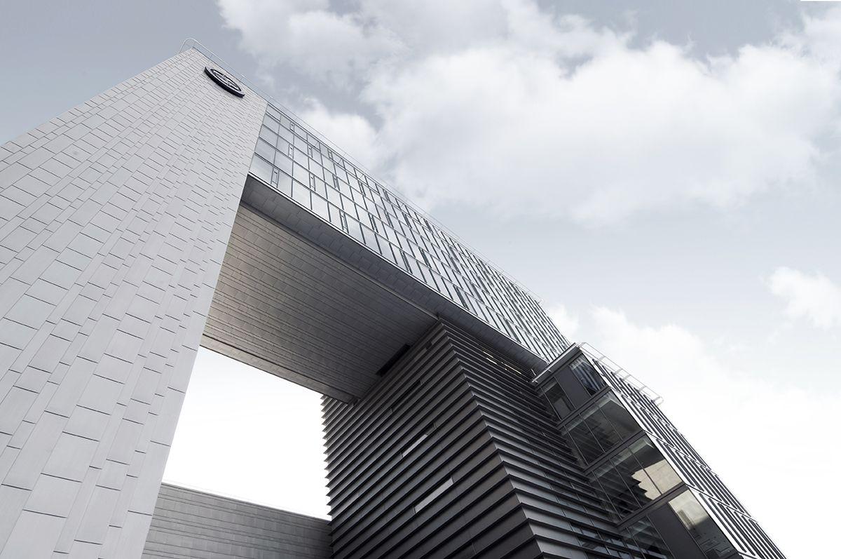 Vilniaus Gedimino technikos universiteto mokslo ir administracijos centras; arch. A.S.A, S.Kuncevičiaus architektūros studija