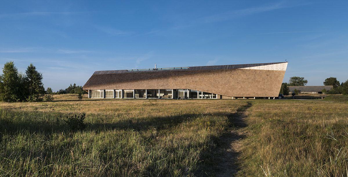 """Kopų namas Papėje (Latvija), arch. """"Archispektras"""""""