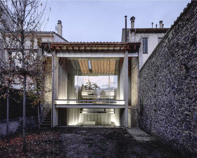 "Row House, 2012, arch. ""RCR Arqitectes"" Olotas. Foto: H.Suzuki"