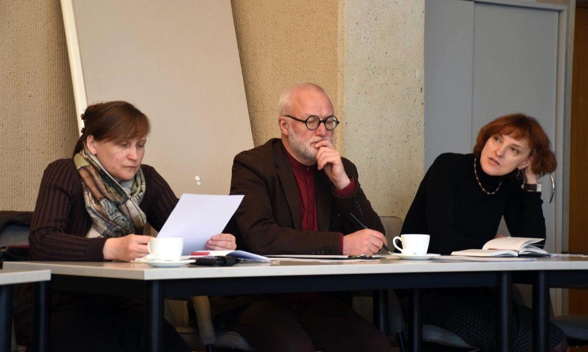 Kūrybines dirbtuves kuruoja Panevėžio vyr.architektė Daiva Gasiūnienė (kairėje), talkina ekspertai Dalia Dijokienė ir Audrys Karalius.