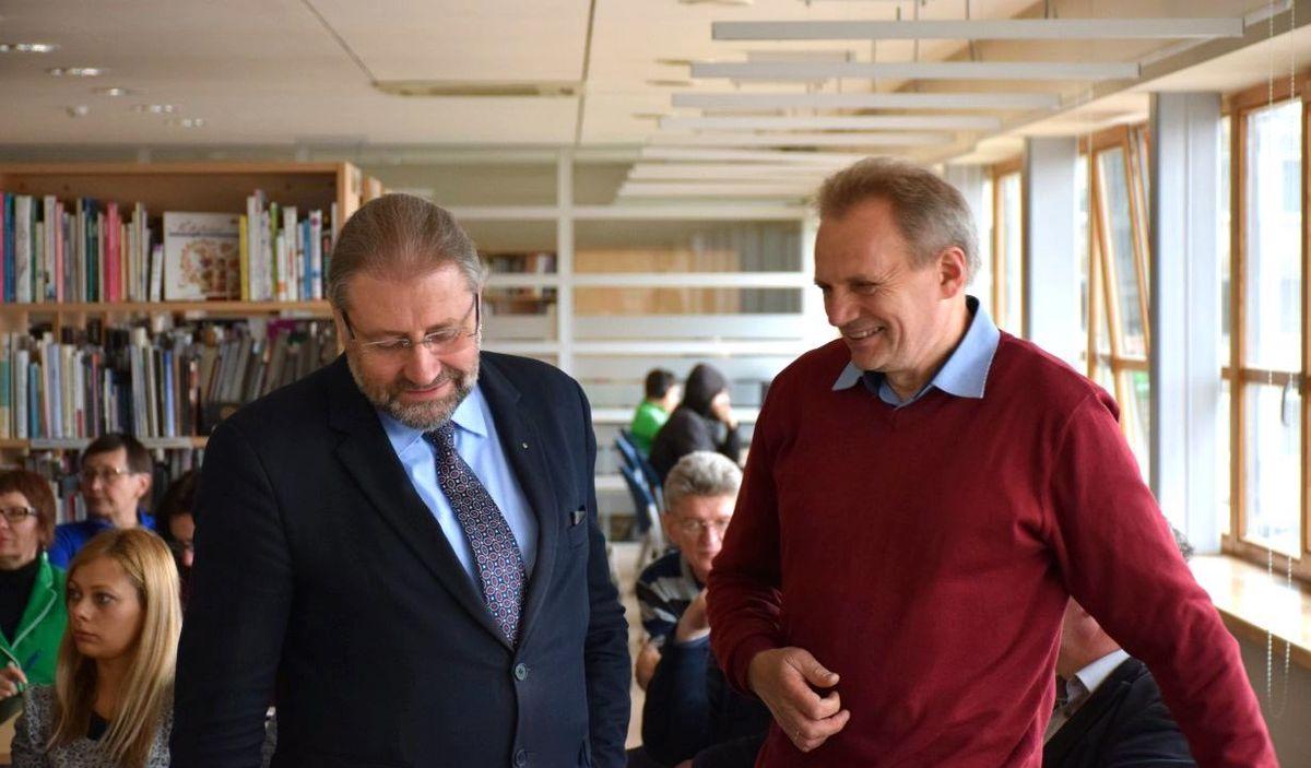 Panevėžio meras Rytis Račkauskas, architektas, yra ne tik Stasio Menų centro entuziastas, bet ir aktyvus kūrybinių dirbtuvių dalyvis