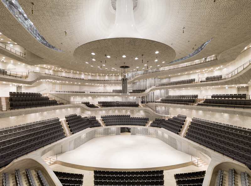 Didžiosios salės akustinis modelis realizuotas pagal Yasuhisa Toyota projektą