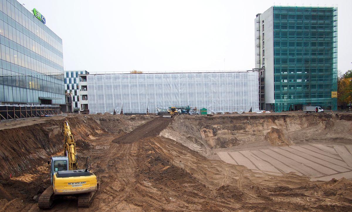 Diskutuoti dėl Vienybės aikštės vizijos verslininkai sukruto tik pradėję aikštės statybos darbus ©PILOTAS.LT