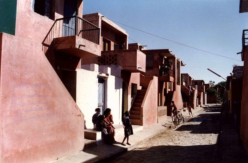 Aranya gyvenamasis kompleksas , arch. B.Doshi