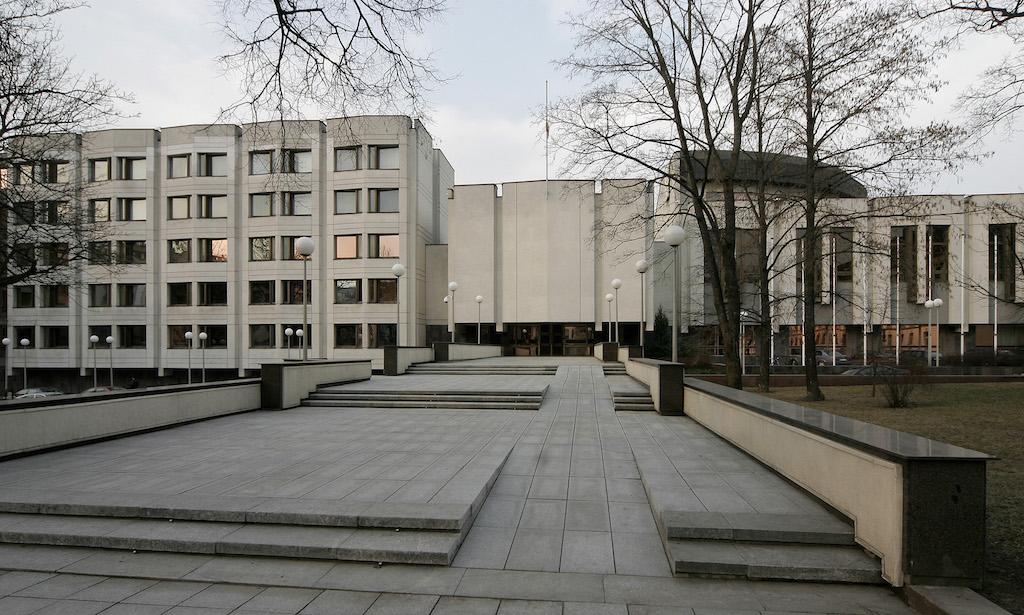 Lietuvos Respublikos Vyriausybės rūmai (arch. V.E.Čekanauskas, 1982 m.). Foto: R.Urbakavičius