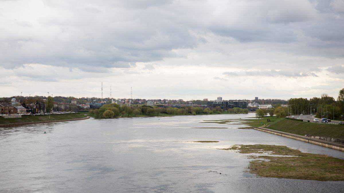 Pėsčiųjų tiltų kontekstas vakarinėje Nemuno salos dalyje – vaizdas nuo Vytauto Didžiojo tilto. Foto: Kauno savivaldybė.