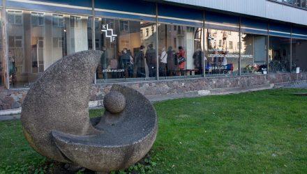 Modernaus meno fondo galerija