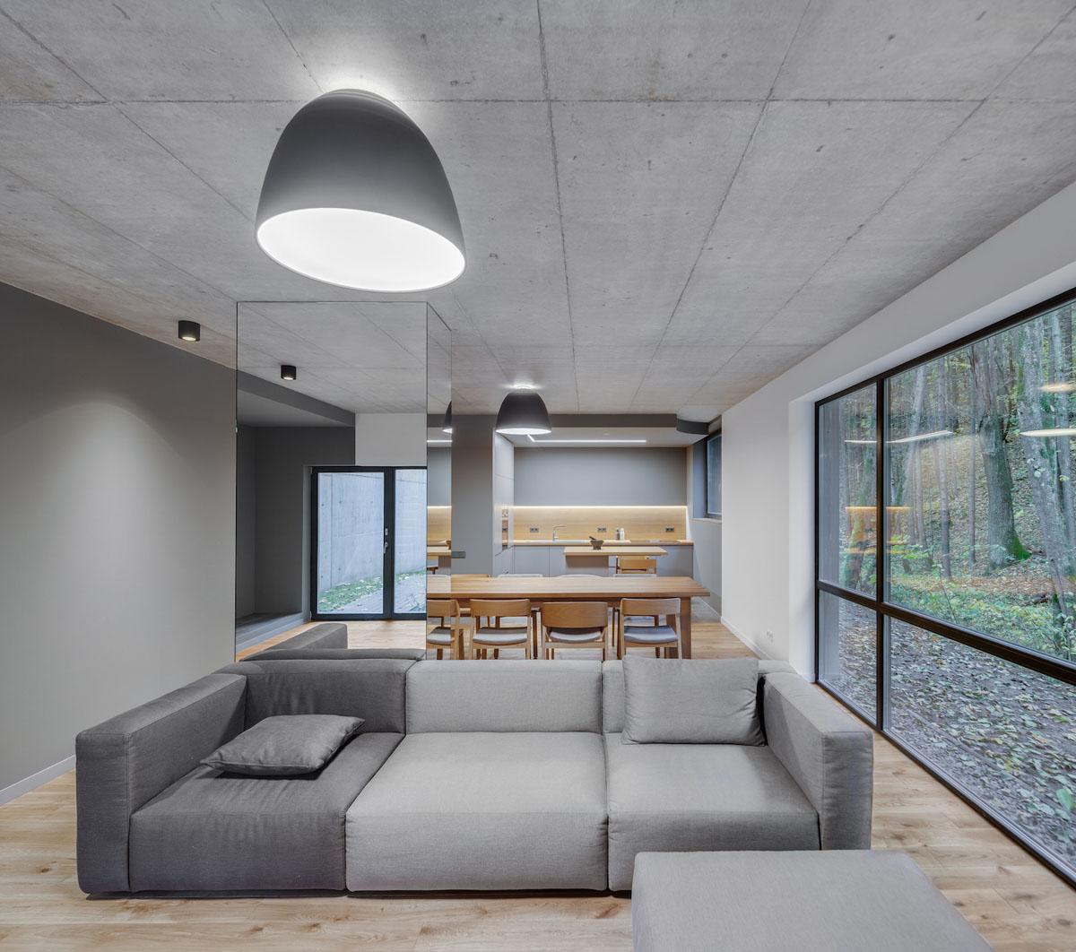 II-oji vieta – butas Rasų namuose (studija YCL)