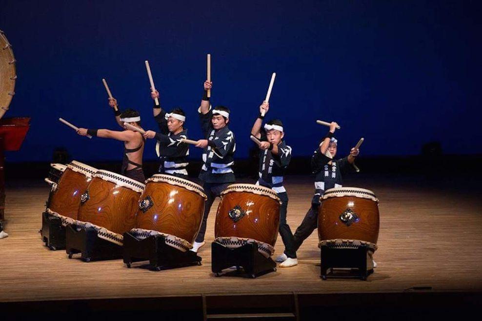 Taiko būgnininkai. Festivalis NOW JAPAN