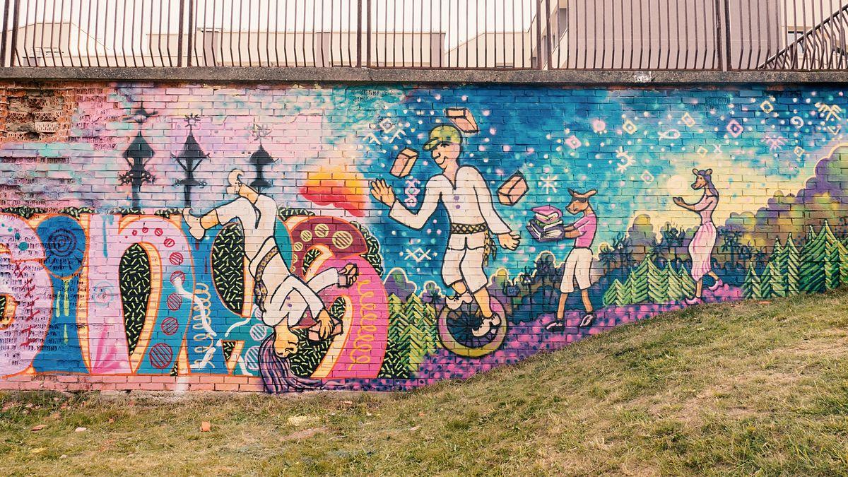 Sienų tapyba ant Visagino kultūros centro. Foto: Žilvinas Danys