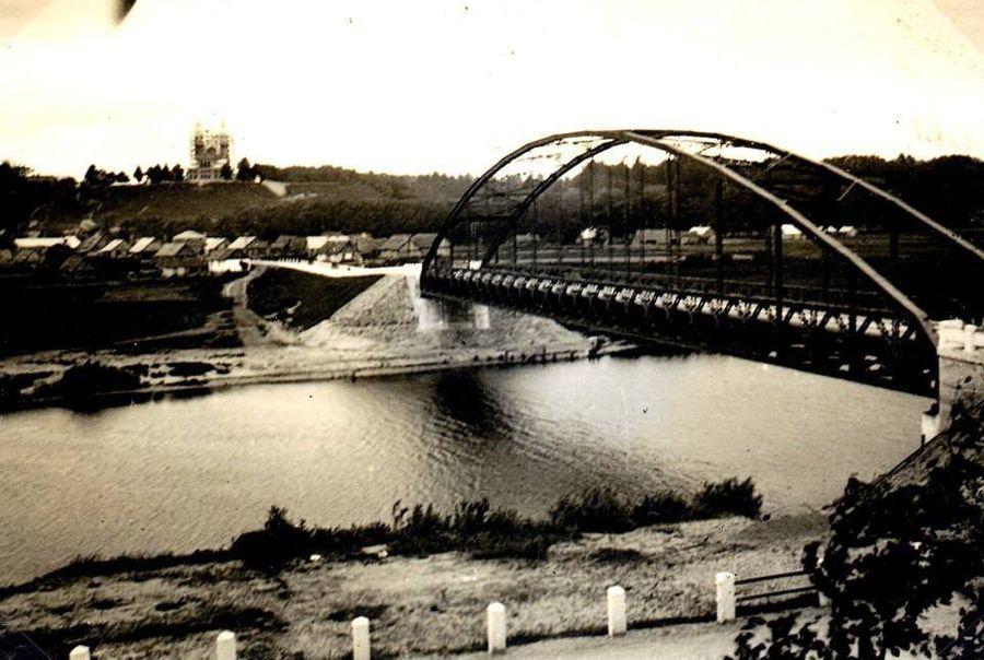 Senasis Raudondvario tiltas per Nevėžį. Archyvinė nuotrauka.
