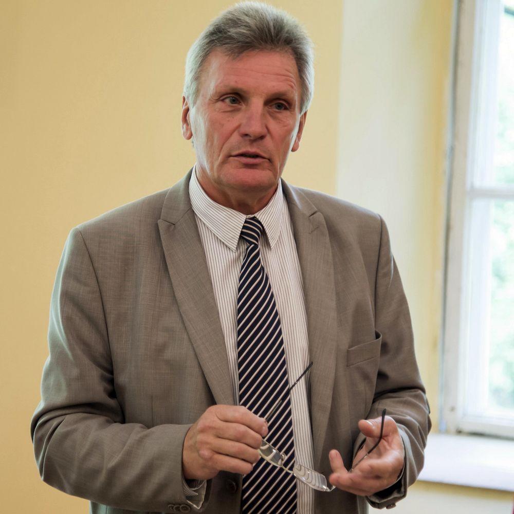 Vytauto Didžiojo universiteto prof. Remigijus Daubaras plynuosius kirtimus tyrinėja jau 3 metus. Foto: VDU