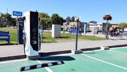 elektromobilių įkrovimas