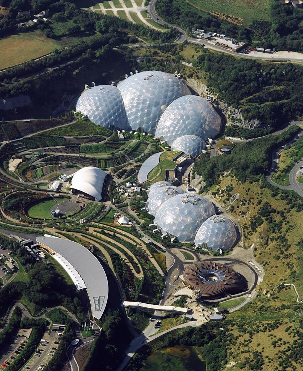 "Edeno projektas Kornvalyje (arch. N.Grimshow). Foto: ""Sealand Aerial Photography""."