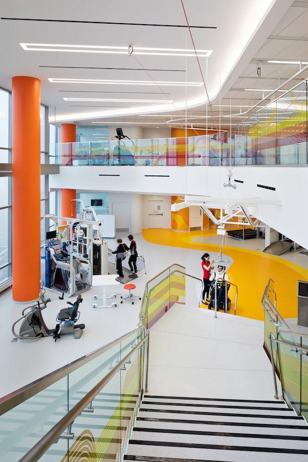 "Čikagos tyrimų ligoninė ""Shirley Ryan AbilityLab"" (arch. ""HDR + Gensler + Clive Wilkinson Architects""). Foto: Michael Moran"
