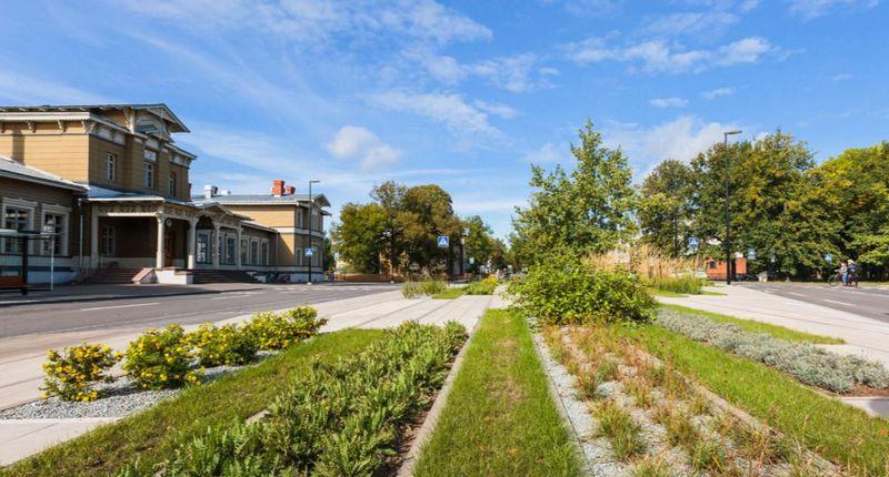 Tartu Vaksali aikštė (arch. M.Traks, H.Runnel, K.Bachmann). Estijos kultūros fondo Kraštovaizdžio apdovanojimas
