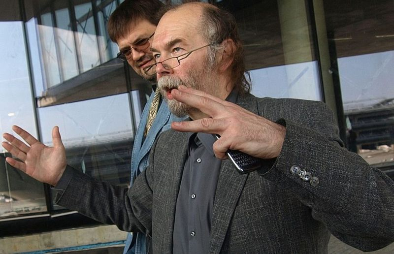 """Architektas Eugenijus Miliūnas (Simas) visada ištikimas architektūros menui bei kupinas drąsių kūrybinių idėjų. """"Žalgirio"""" arenos pristatymo fragmentas. Foto: @PILOTAS.LT"""