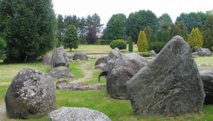 V.Into akmenų muziejus