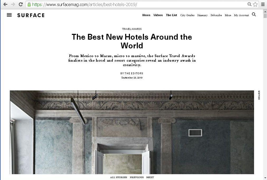 """Viešbutis """"Pacai"""" Amerikos kelionių žurnalo """"Surface"""" apdovanojimų Surface Travel Award priekyje."""