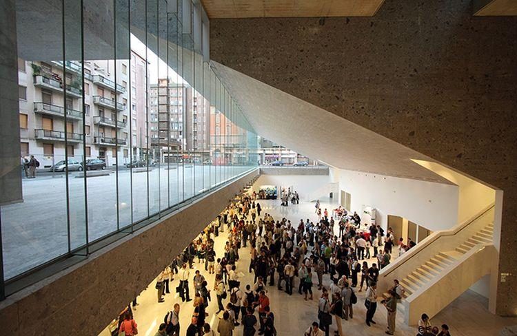 """Bocconi universitetas Milane (arch. """"Grafton Architects""""). Foto: Paolo Tonato"""