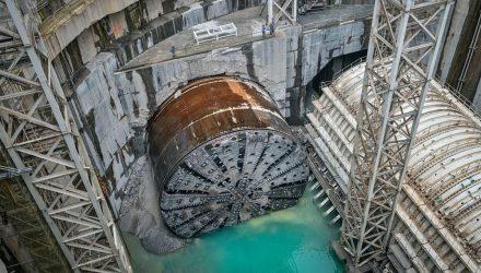 Tunelis į Honkongo salą Tuen-Mun Chek lap Kok