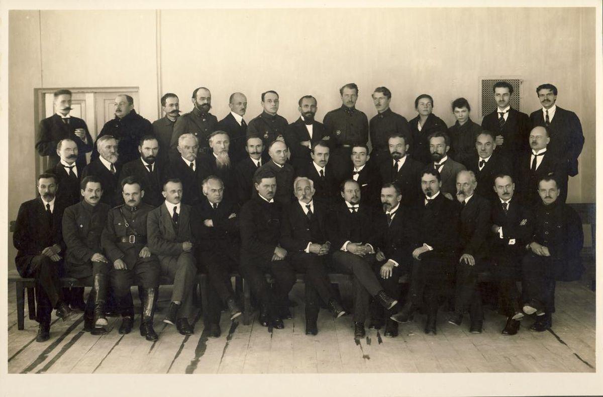 Aukštųjų kursų dėstytojai 1921 m. Iš KTU muziejaus rinkinių