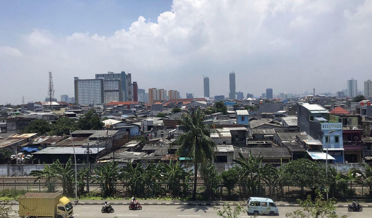 Smoge skęstantis 32 mln. gyventojų (su priemiesčiais) urbanistinis katilas kasmet smenga vis labiau. ©PILOTAS.LT