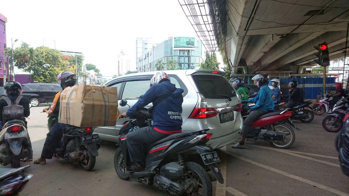 Transportas Džakartoje vienas chaotiškiausių pasaulyje. Foto: ©PILOTAS.LT
