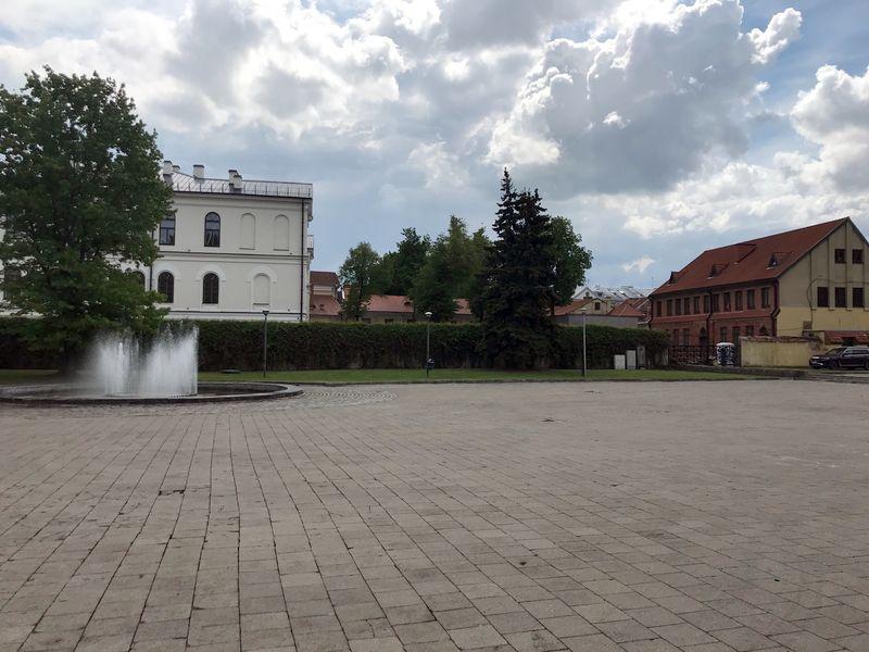 Architektai iS.Gudas ir R.M. Preikšienė rengia Kauno Maironio universitetinės gimnazijos remonto ir sporto paskirties pastato projektinius pasiūlymus. Foto: ©PILOTAS.LT