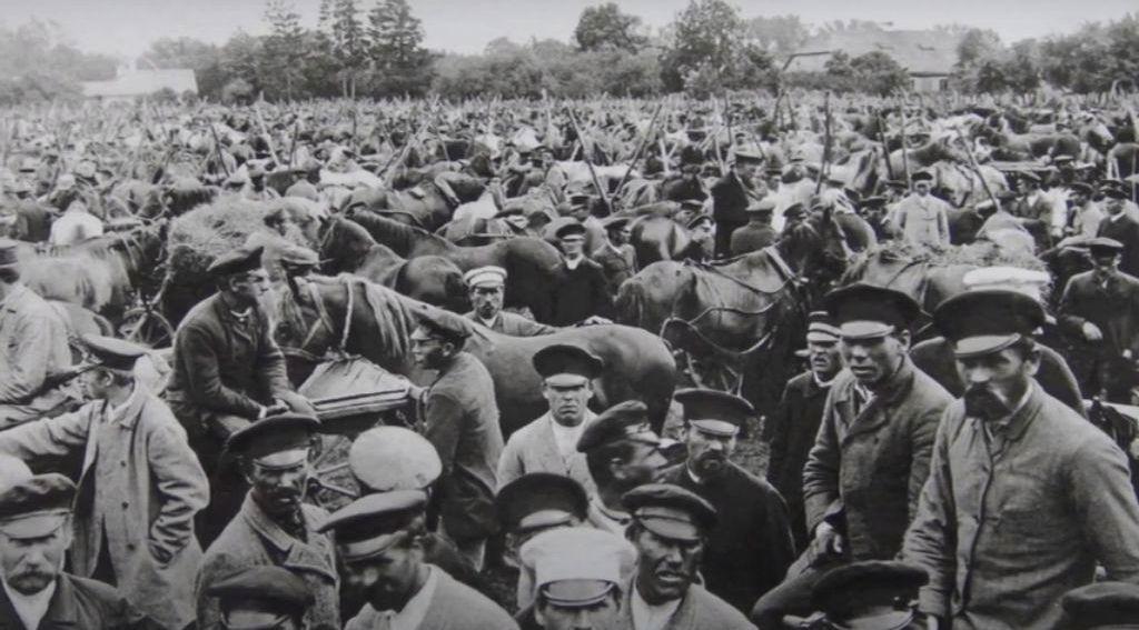 Grafas mėgo fotografuoti Vaitkuškio apylinkes – Ukmergės turgus. Foto: S.K.Kosakovskis, apie 1900 m. MKČ muziejaus rinkinys.