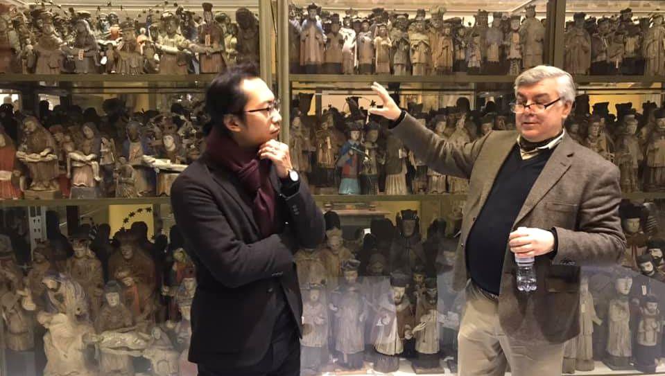 Naujausia Osvaldo Daugelio lietuviško meno diplomatijos kryptis buvo – Kinija. 2019 sausis. Foto: O.Daugelio asmeninis archyvas.