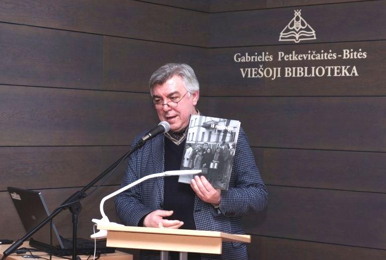 Osvaldas Daugelis niekada nepamiršdavo savo gimtojo Panevėžio miesto ir aktyviai dalyvavo jo kultūros ir meno politikoje. 2019 m. Foto: O.Daugelio asmeninis archyvas.