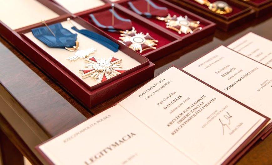 2019 gegužę Osvaldas Daugelis apdovanotas Lenkijos Respublikos Kavalieriaus kryžiumi. Foto: O.Daugelio asmeninis archyvas.