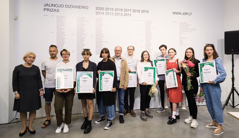"Konkurso ""Jaunojo dizainerio prizas 2020"" laureatai. Foto: VDA."