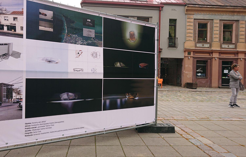 """Geriausios koncepcijos kategorijoje diplomu apdovanotas architektas Darius Čiuta, pristatęs išraiškingą koncertų salės """"Baltija"""" architektūrinę idėją. Foto: ©PILOTAS.LT"""