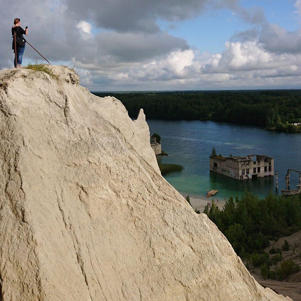Savitas Rumu karjero kraštovaizdis labai tinka jaunimo pamėgtoms asmenukėms. Foto: ©PILOTAS.LT