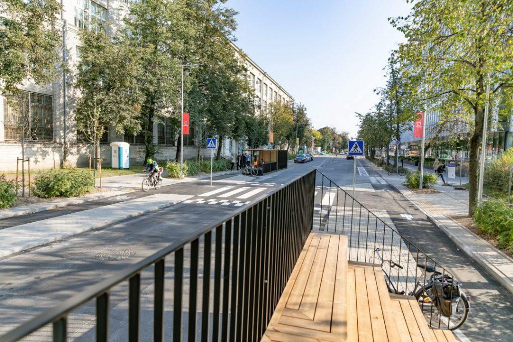 """Keliaujantys kiemeliai (arch. """"DO Architects""""). Foto: Vilniaus savivaldybė."""