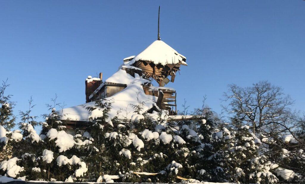 Bene ryškiausias akibrokštas Kauno UNESCO procesui – neleistinai apgriauta Art Deco vila Žaliakalnio architektūriniame draustinyje. Foto: ©Pilotas.LT
