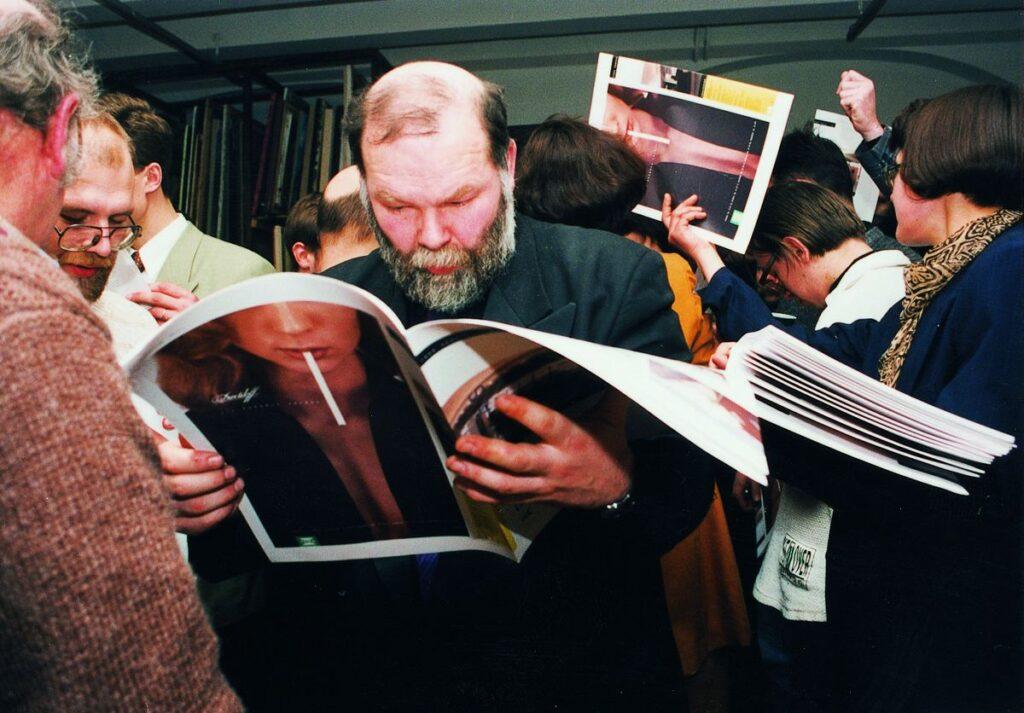 Pirmas lietuviškas architektūros mėnraštis tapo bomba architektų bendruomenėje: Eugenijus Simas Miliūnas. Foto: S.Platūkis, 1996.02.09.