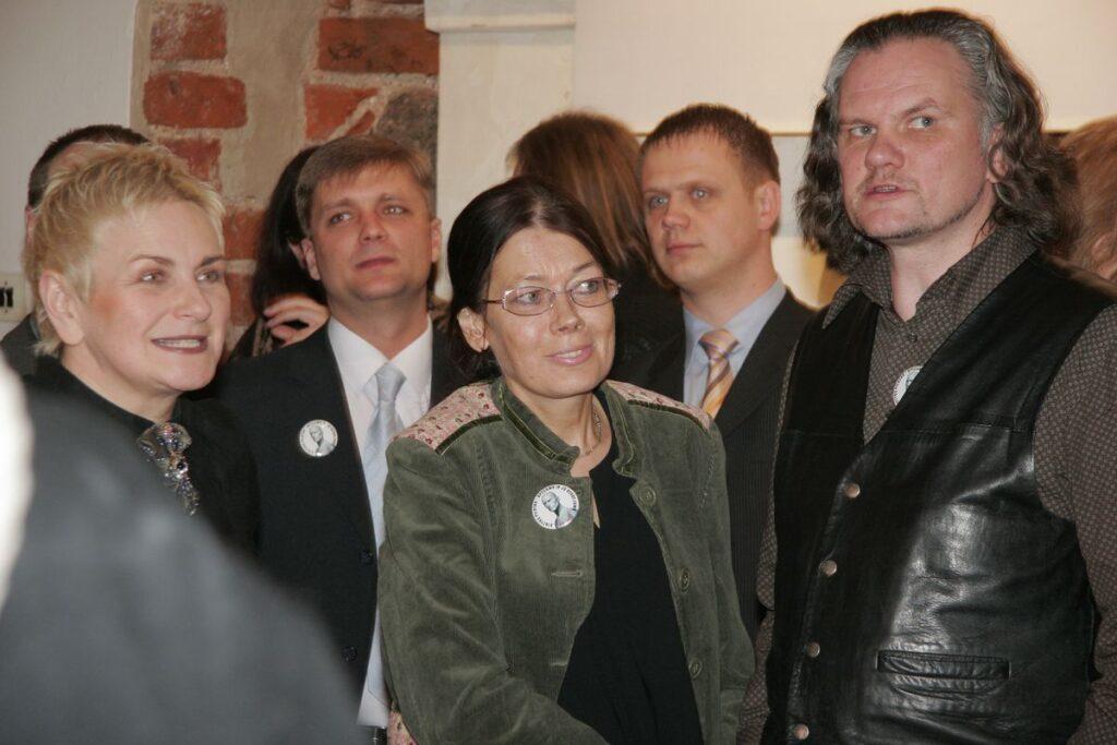 Architektūrinės spaudos entuziastų būta apsčiai: A.Kaušpėdienė, A.Bundonienė (AA), V.Gurevičius. Foto: J.Kamenskas, 2006.02.09.