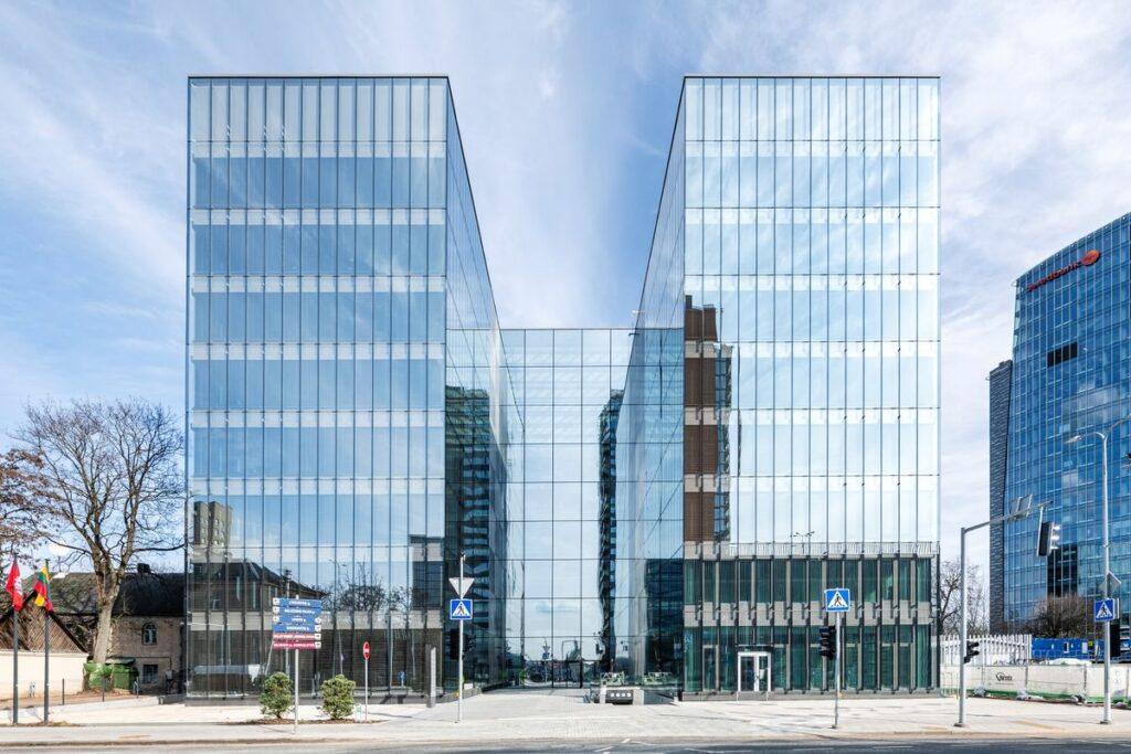 """Lvovo"" verslo centras (""PLH Architects"",  ""Mepco"", ""Cloud architektai""). Foto: ""Publicum""."