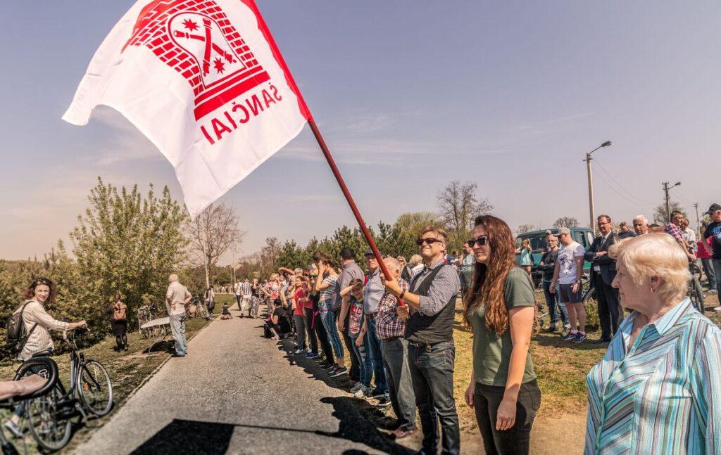 Prieš transportinę intervenciją Nemuno krante Šančių bendruomenė surengė net kelias galingas akcijas. Foto: Darius Petrulis.
