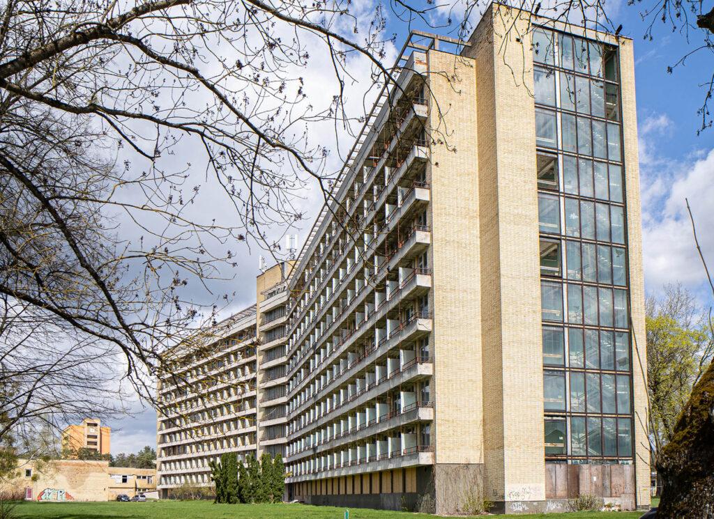 """Sanatorija """"Nemunas"""" (arch. E.Tamoševičius, P.Adomaitis; 1970 m.). Foto: LNTPA"""