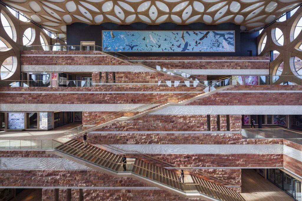 """Nacionalinis bioįvairovės centras """"Naturalis"""" Leidene (arch. """"Neutelings Riedijk Architects"""", 2019 m.) – geriausias 2021 metų Europos muziejus. Foto: """"Neutelings Riedijk Architects""""."""