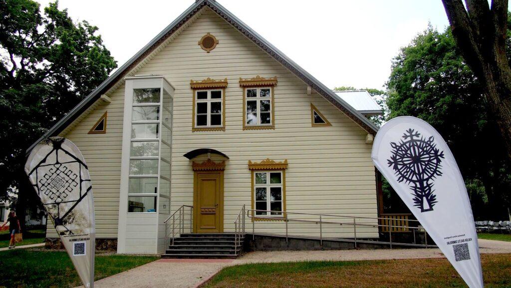 Dvaro rūmai pritaikyti šiuolaikiniams vietos kultūros poreikiams ©PILOTAS.LT