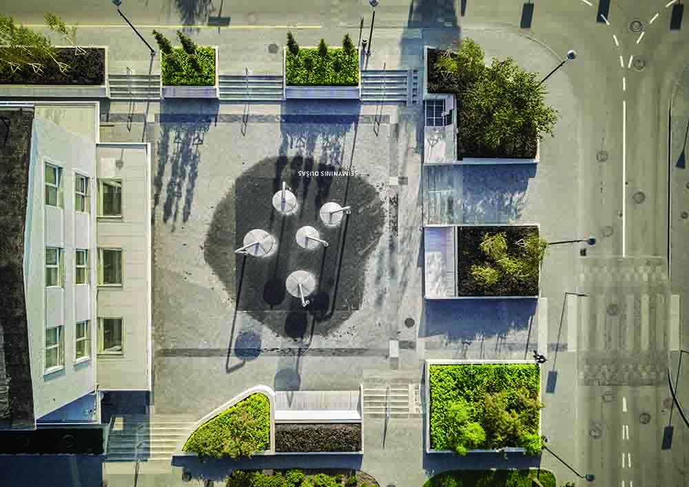 """""""Ogmios"""" miesto viešosios erdvės transformacija Vilniuje (arch. """"DO Architects"""")"""