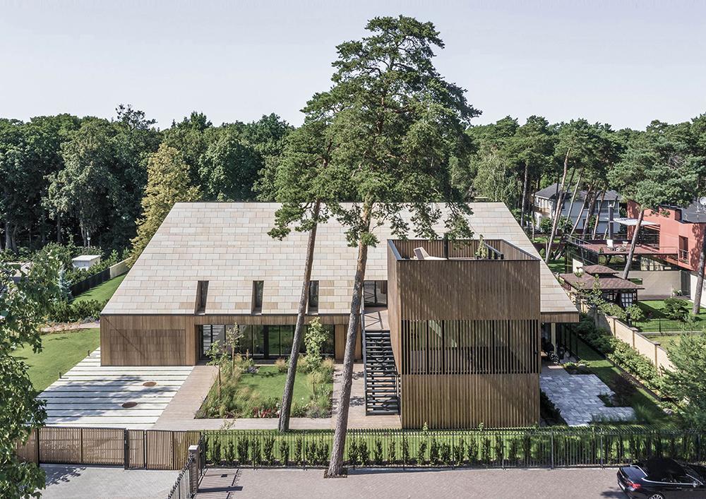 """Šeimos vila Giruliuose, Klaipėdoje (arch. """"DO architects""""). Foto: Laimonas Ciūnys."""