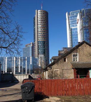 Vilniaus Šnipiškių rajonas  garsėja architektūriniais kontrastais ©PILOTAS.LT
