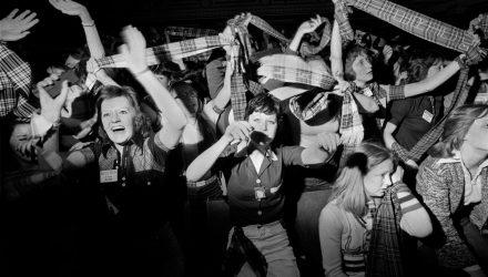 BAY CITY ROLLER TEEN FANS TARTAN FASHION 1970S UK